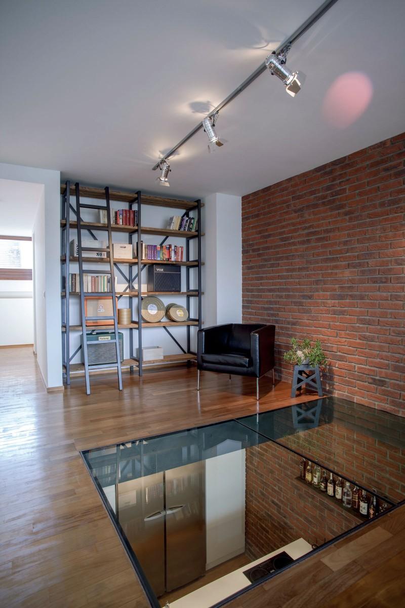 inspiring and industrial loft in prague label1114. Black Bedroom Furniture Sets. Home Design Ideas