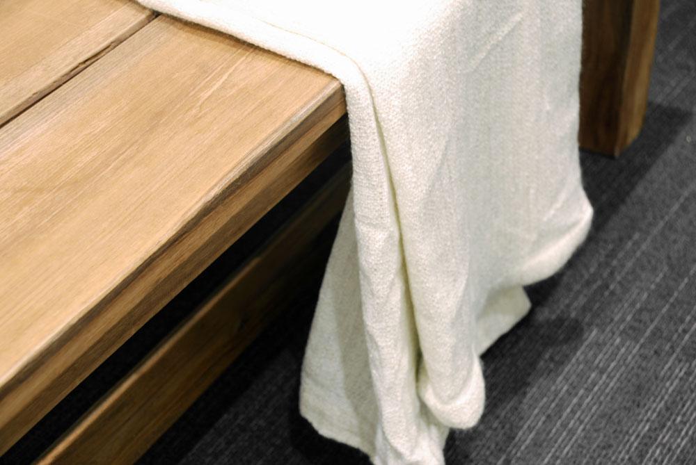1114-YogaSpot-dressingroom2