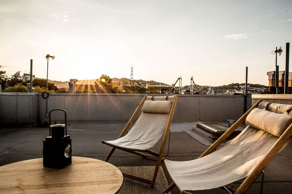 Rooftop-hangout-of-the-bachelor-pad-in-the-Mission-District-San-Francisco