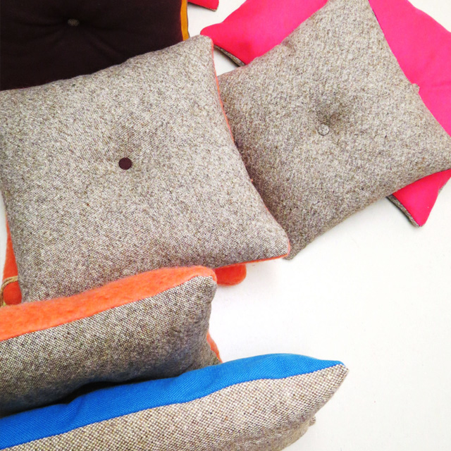 NEST-duo-colore-pillow