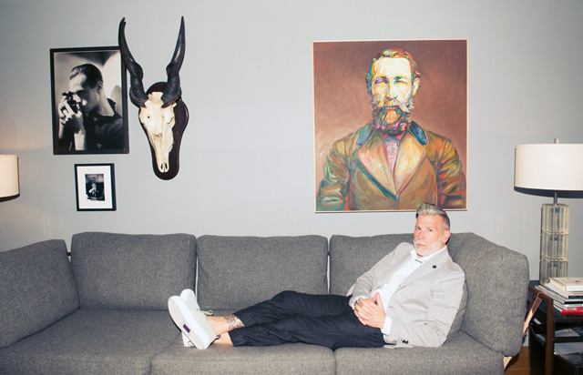 Nick_Wooster-couchNick