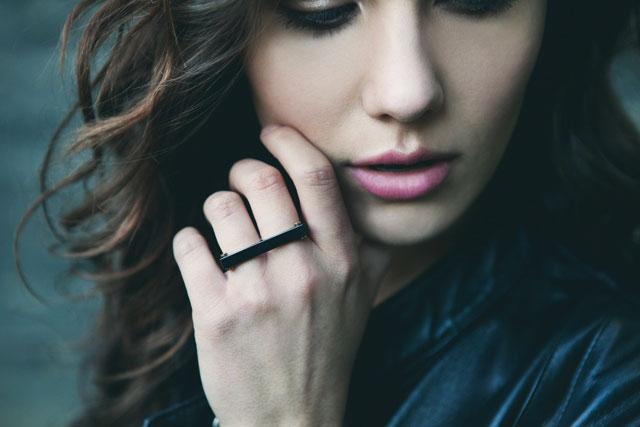 Vitaly_Design_black_two_finger_ring_womens_black_two_finger_ring_black_ceramic_ring