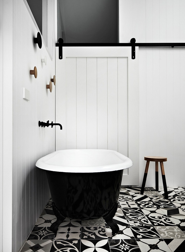 naturalDarks-australian-bathroom2
